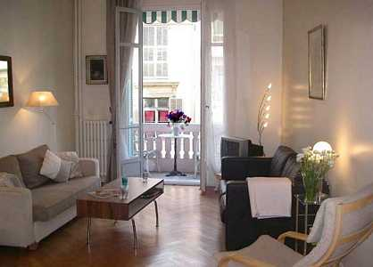 Nice rental apartment in heart of Nice with balcony for rent